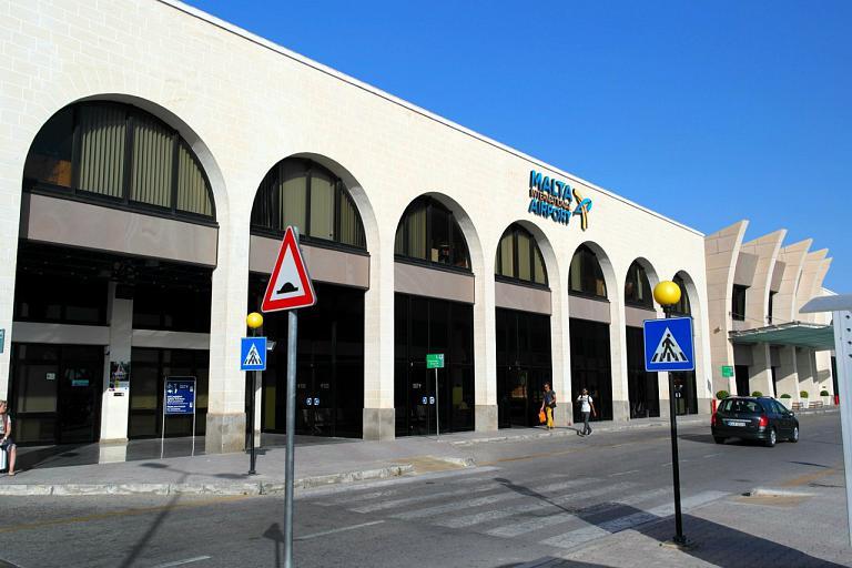 Аэропорт Мальты и возвращение домой