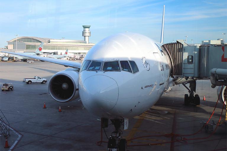 Торонто-Париж на Боинге-777-200 Air France