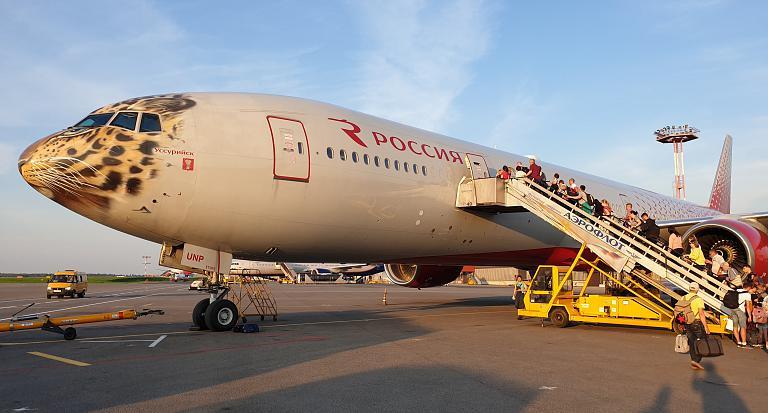 От Пушкина А.С. до Чехова А.П.: Москва (SVO)-Южно-Сахалинск (USS). а/к Россия Boeing 777-300