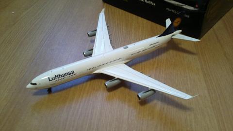 Gemini Jets: Airbus A340-300 авиакомпании Lufthansa в масштабе 1:200