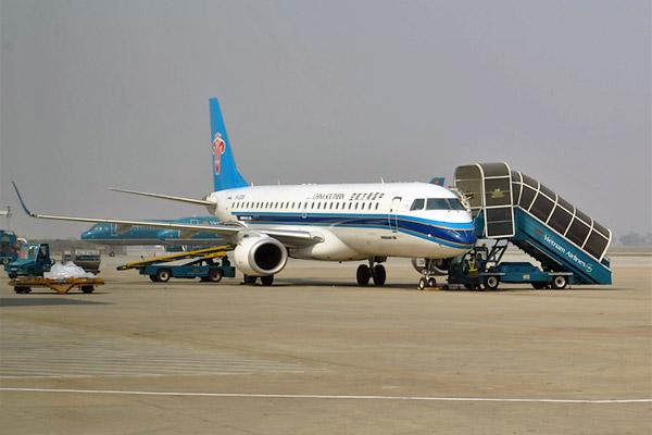 Фотообзор полета на самолете Embraer 190