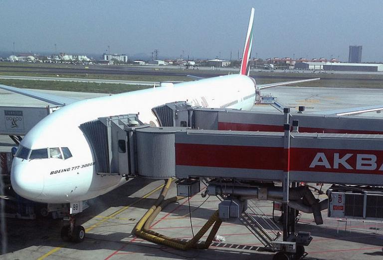 Под крыльями Евразии. Часть 3 - Приветствуя завтра с Эмирейтс: Стамбул Ататюрк (IST) - Дубаи (DXB) на Boeing 777-300ER (77W)
