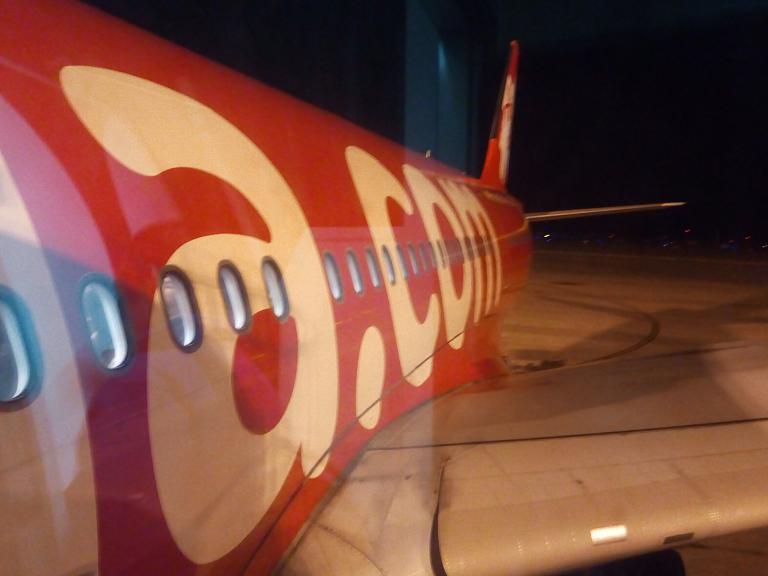Это что ещё за Х...?  Дальнемагистральный лоукост AirAsia X, Шанхай - Куала Лумпур на А330