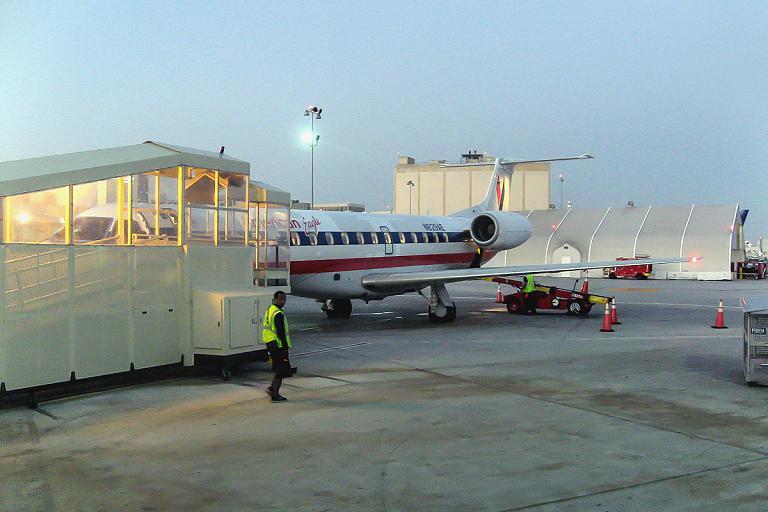 American Eagle - региональные авиалинии в США