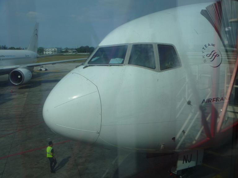 Из Гаваны в Париж на Boeing 77W Air France