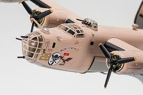 Consolidated B-24D Liberator от Air Force 1 в масштабе 1:72