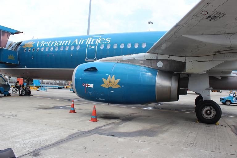 В гости к вьетнамцам. Часть 5. Ho Chi Minh City/Saigon (Tan Son Nhat, SGN) - Bangkok (Suvarnabhumi, BKK) с Vietnam Airlines на А-321