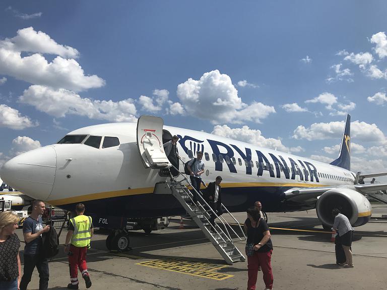 Рига (RIX) - Берлин (SXF) на Boeing 737-800 авиакомпании RyanAir (86 фото)