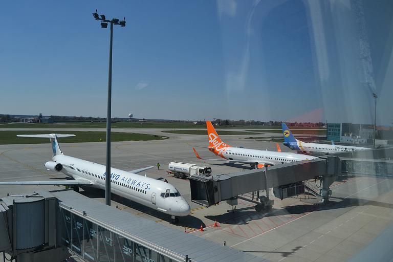 Открытие сезона отпусков. Львов (LWO) - Шарм (SSH) с Ukraine International Airlines.