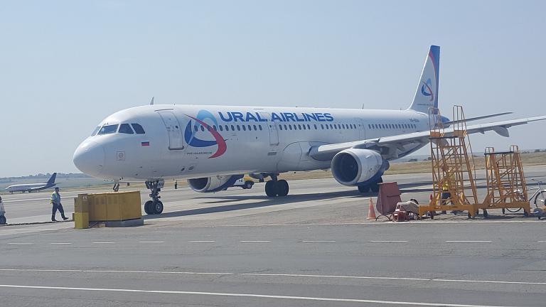 Симферополь - Москва. Уральские авиалинии Airbus A321 (VQ-BDA).