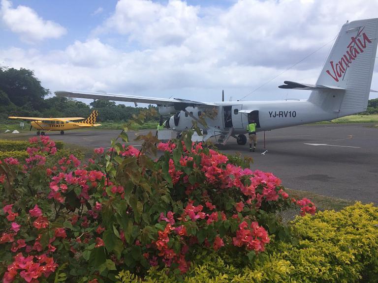 Фотообзор аэропорта Порт-Вила Бауэерфилд