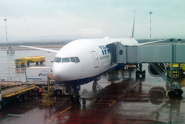 Путешествие на Дальний Восток, Часть вторая: Москва - Владивосток, Boeing 777-300, Трансаэро