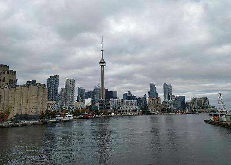 Интересный визит в Аэропорт Торонто Сити (YTZ).