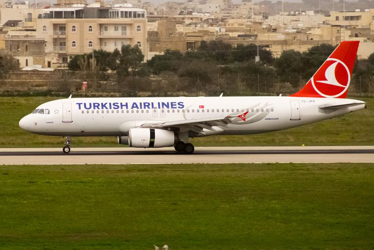 Widen Your World. Malta - Istanbul TK1370 Turkish Airlines