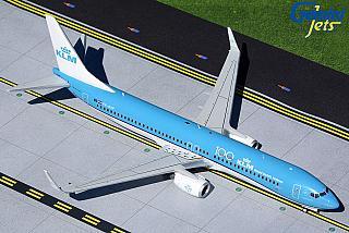 Модель самолета Boeing 737-900