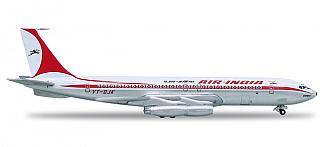 Модель самолета Boeing 707-400