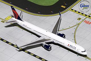 Модель самолета Boeing 757-300