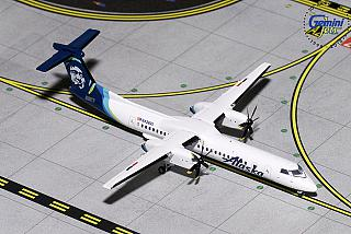 Модель самолета Bombardier Dash 8 Q400