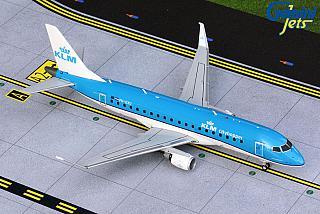 Модель самолета Embraer 175