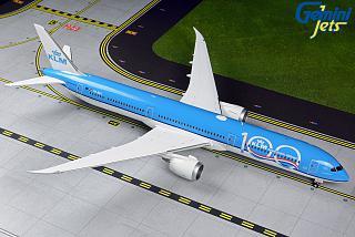 Модель самолета Boeing 787-10