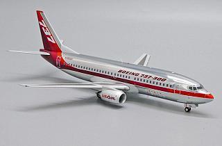 Модель самолета Boeing 737-300
