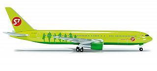 Модель самолета Boeing 767-300