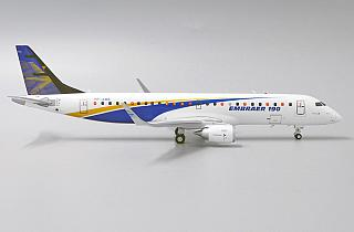 Модель самолета Embraer 190
