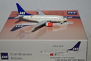 Модель самолета Boeing 737-600