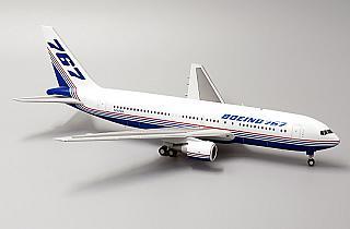 Модель самолета Boeing 767-200