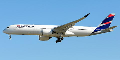 LATAM Brasil. Airline code, web site, phone, reviews and opinions.