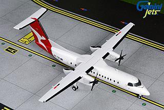 Модель самолета Bombardier Dash 8-300