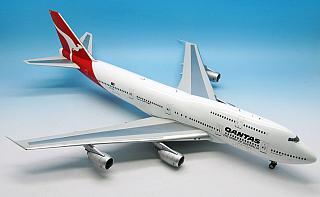 Модель самолета Boeing 747-300