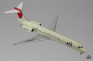 Модель самолета McDonnell Douglas MD-87