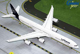 Модель самолета Airbus A340-600
