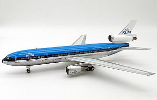Модель самолета Douglas DC-10