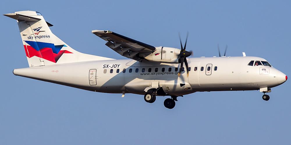 Самолет ATR 42 авиакомпании Sky Express