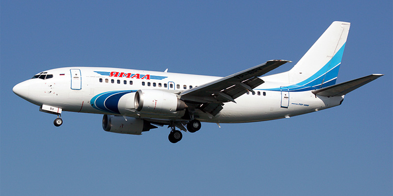 Самолет Боинг-737-500 авиакомпании Ямал