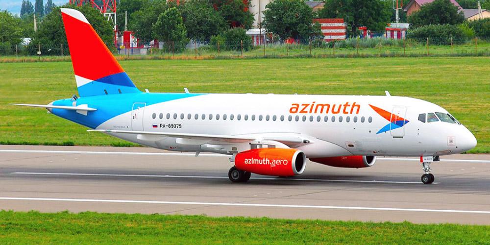 Самолет Суперджет-100 авиакомпании