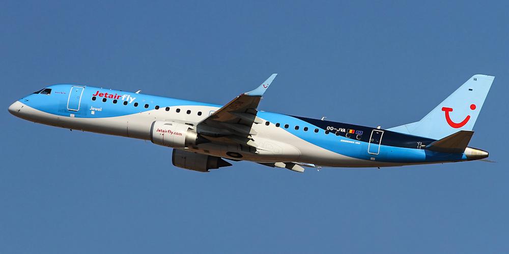 Самолет Embraer 190 авиакомпании Jetairfly