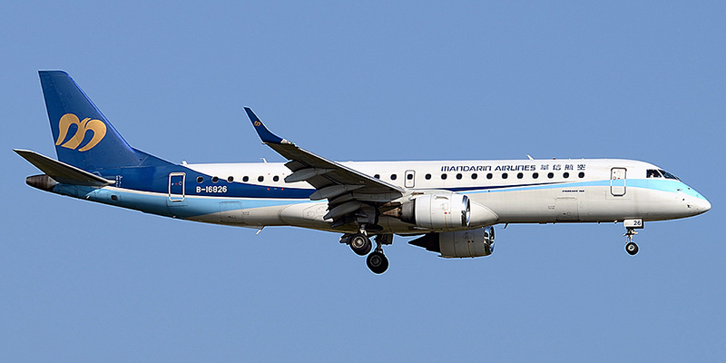 Embraer 190 авиакомпании Mandarin Airlines