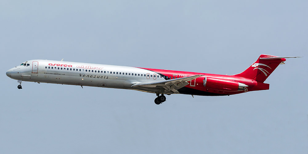 Самолет MD-80 авиакомпании Aserca