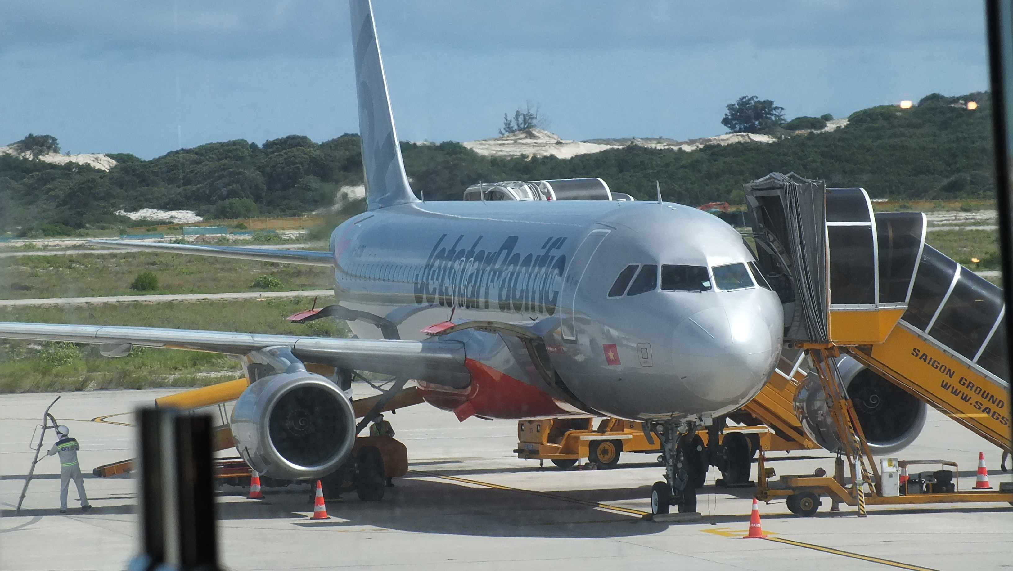 An Airbus A320 of Jetstar Pacific at the airport, Cam Ranh