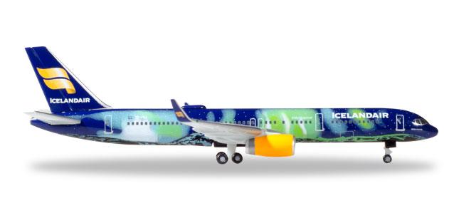 """Boeing 757-200 """"Hekla Aurora"""""""