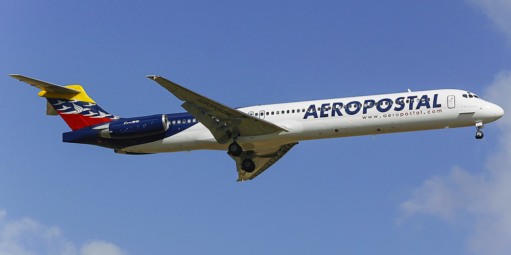 Самолет MD-80 авиакомпании Aeropostal