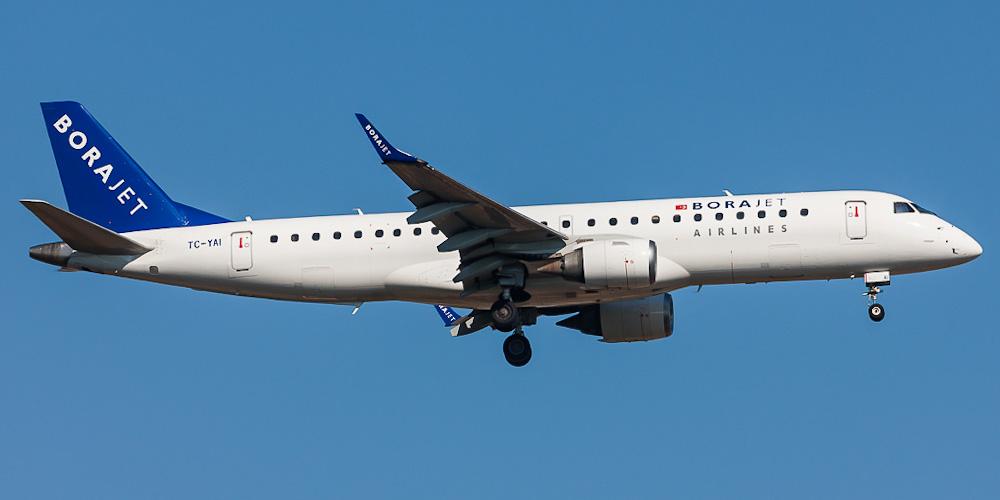 Самолет Embraer 190 авиакомпании Borajet