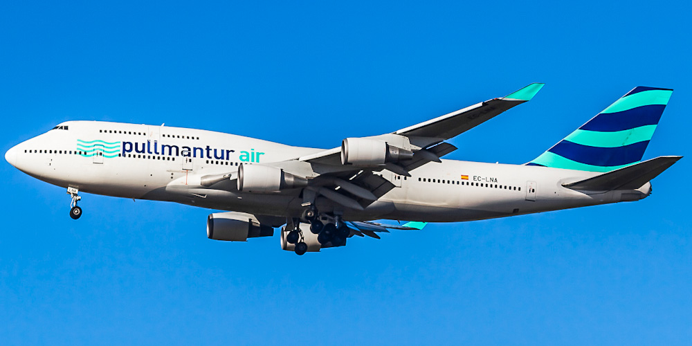 Wamos Air airline