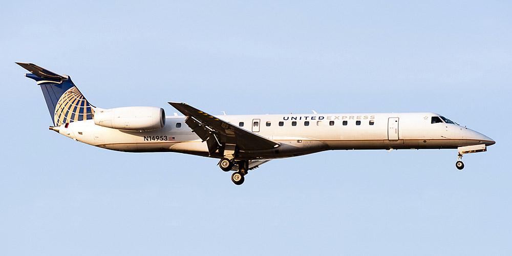 Самолет Embraer ERJ-145 авиакомпании ExpressJet