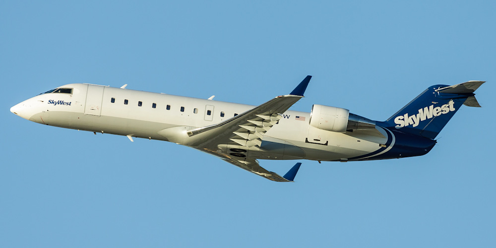 Самолет Bombardier CRJ100 авиакомпании SkyWest Airlines