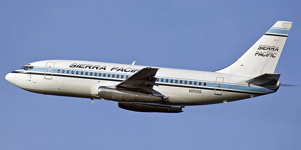Самолет Boeing 737-200 авиакомпании Sierra Pacific Airlines