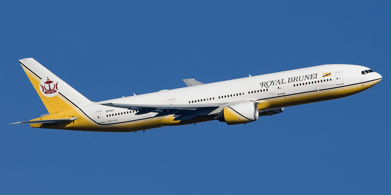 Самолет Боинг-777-300 авиакомпании Royal Brunei Airlines